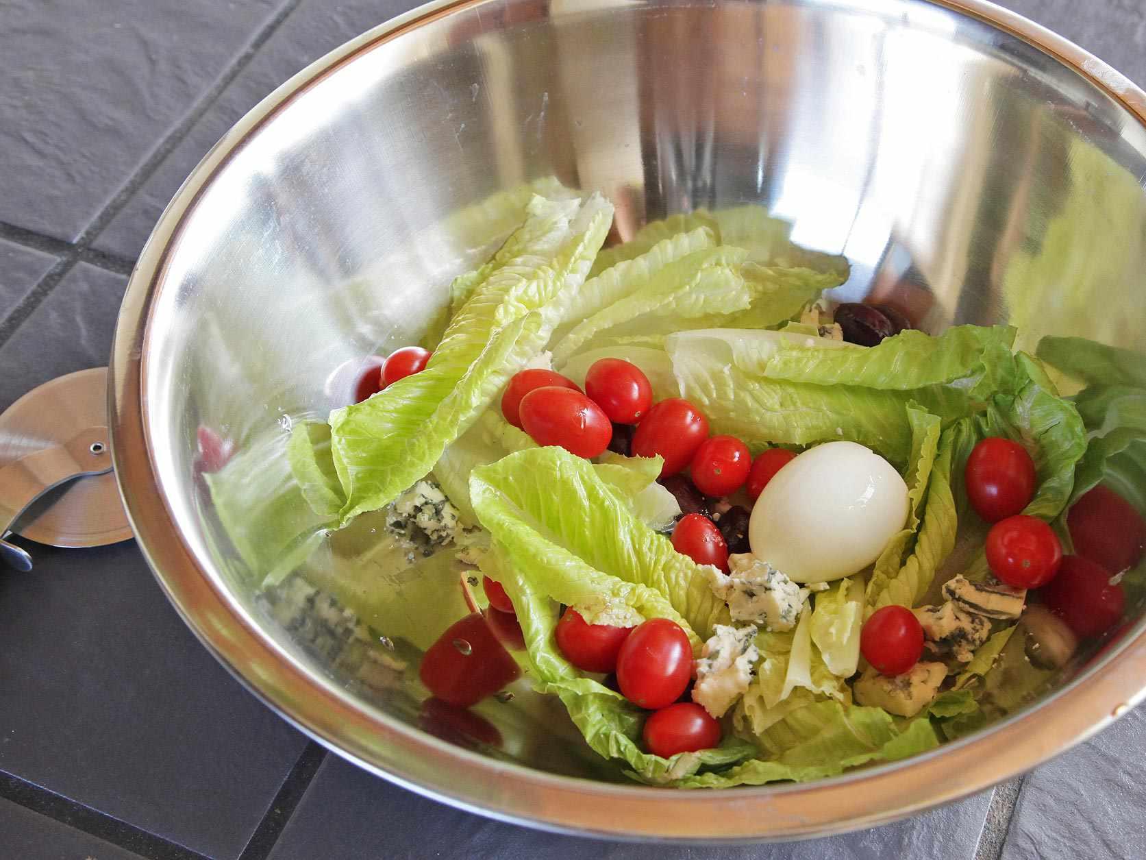 20140910-chopped-salad-pizza-wheel-1.jpg