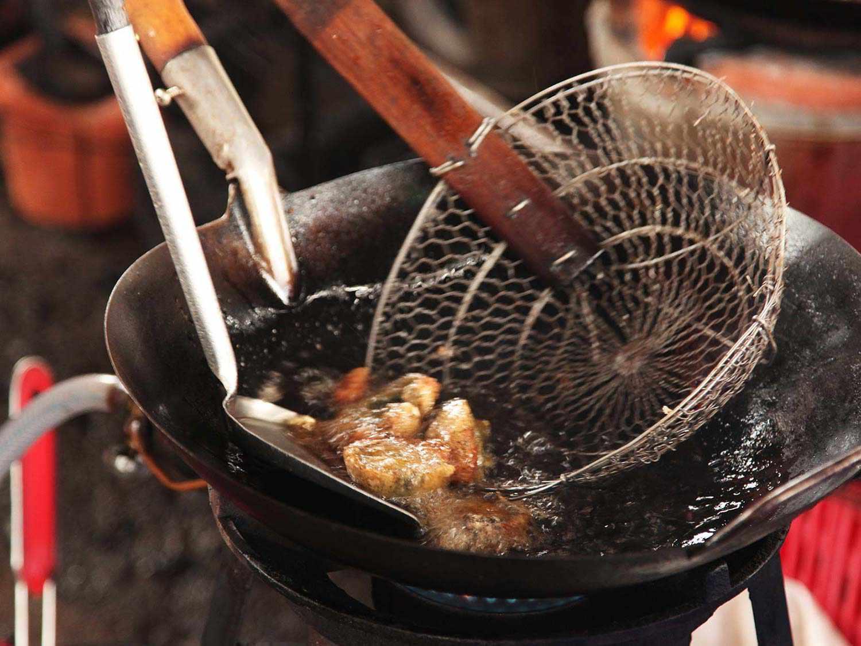 20140714-egg-pork-fried-basil-stir-fry-bangkok-05.jpg