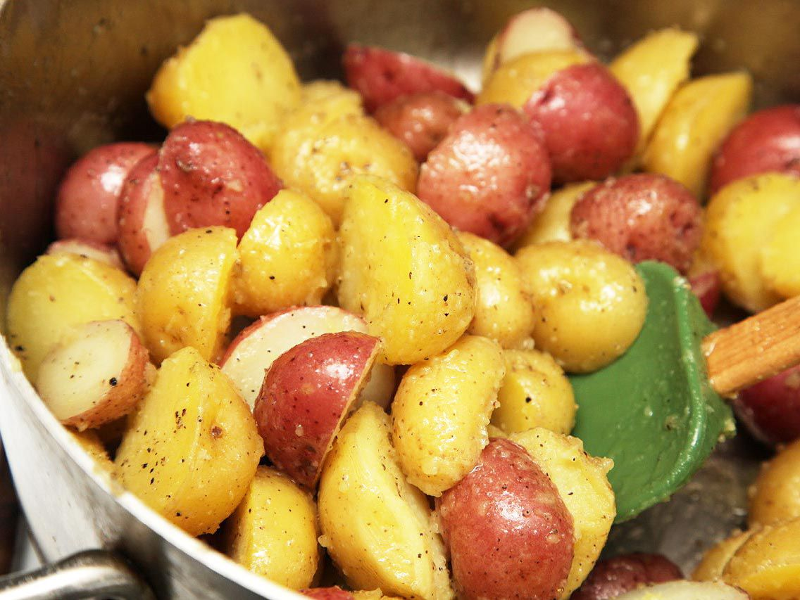 20131026-new-potatoes-roasted-crispy-thanksgiving-06.jpg
