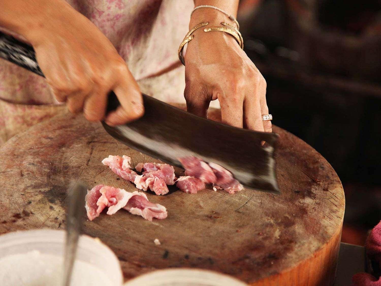 20140714-egg-pork-fried-basil-stir-fry-bangkok-04.jpg