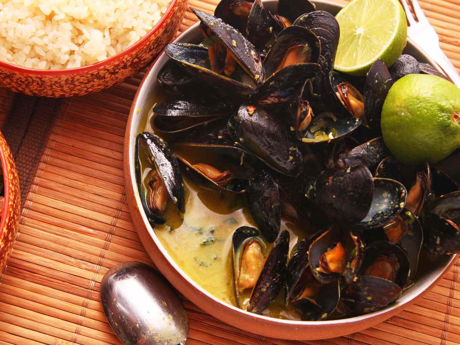 20141026-mussels-how-to-food-lab-thai2