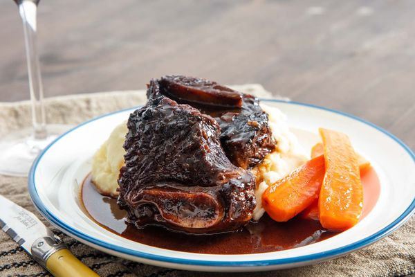 20191104-red-wine-braised-short-ribs-vicky-wasik-21
