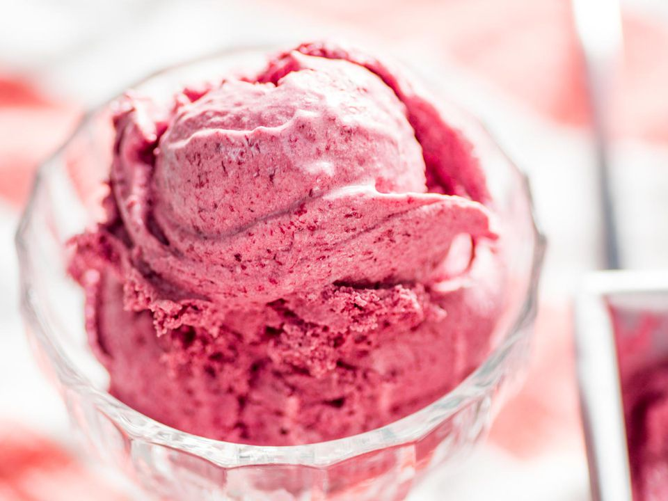 20170629-roasted-cherry-ice-cream-26.jpg