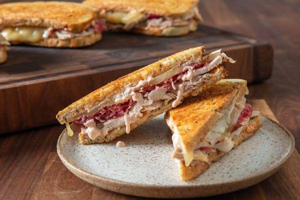 20191010-leftover-turkey-reuben-sandwich-vicky-wasik-19