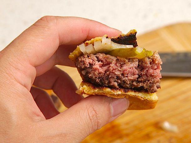 20130816-burger-grind-food-lab-09.jpg