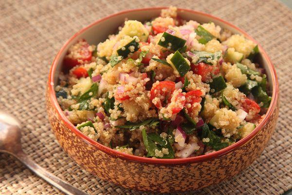 20141022-quinoa-tomato-cucumber-salad1.jpg