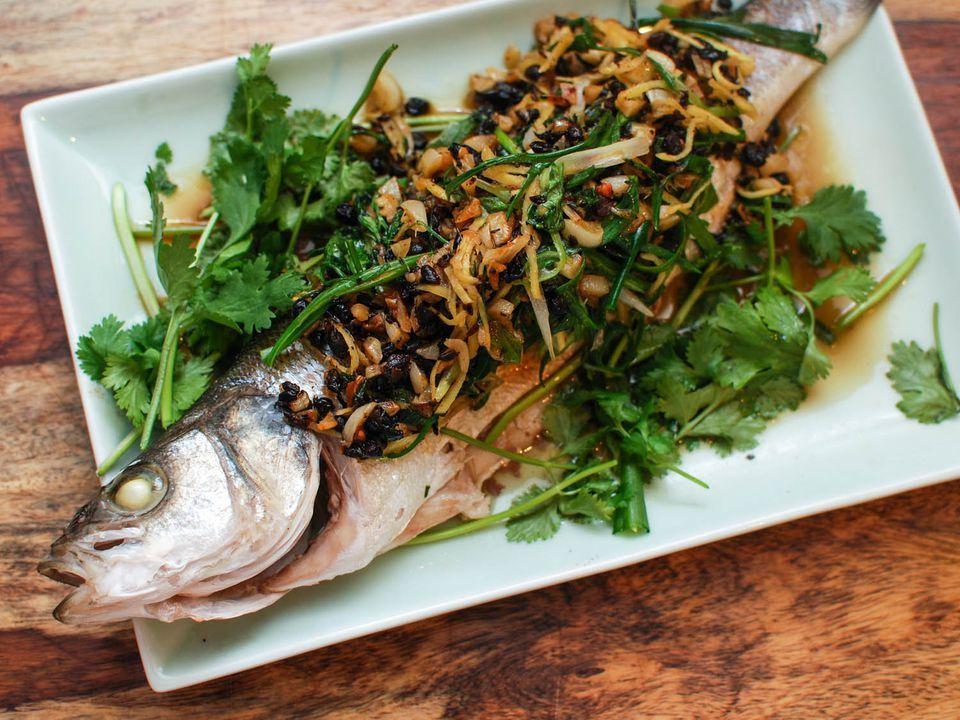 20150213-steamed-fish-fermented-black-beans-garlic-shao-zhong-7.jpg