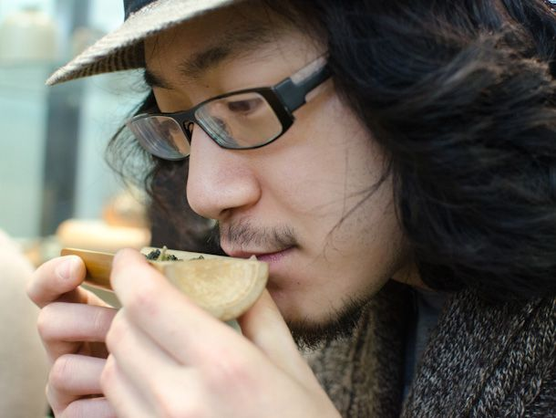 taster smelling tea