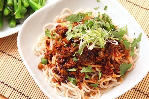 20130221-vegan-dan-dan-mien-noodles-1.jpg