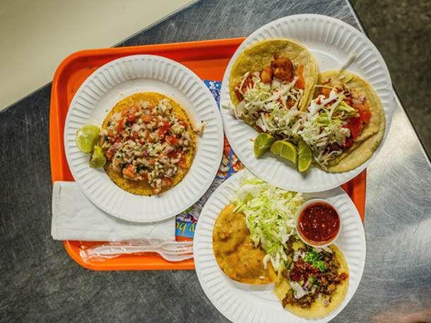 070812-213786-El-Siete-Mares-taco-tray-primary.jpg