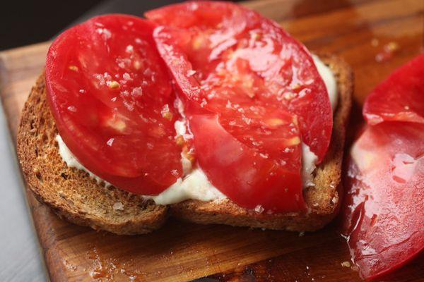 20100913-tomat-mayo-toast-recipe-primary.jpg