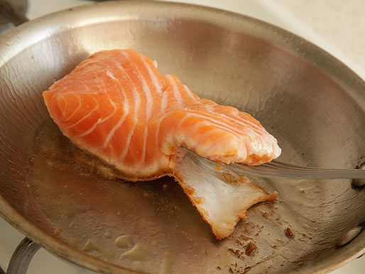 20120617-salmon-how-to-pan-roast-05.jpg