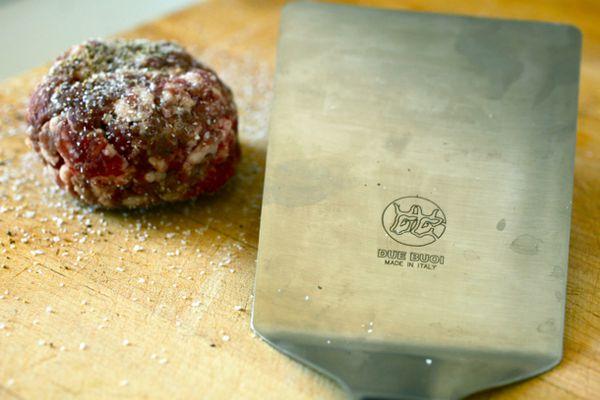 20100727-burger-spatula-primary1.jpg