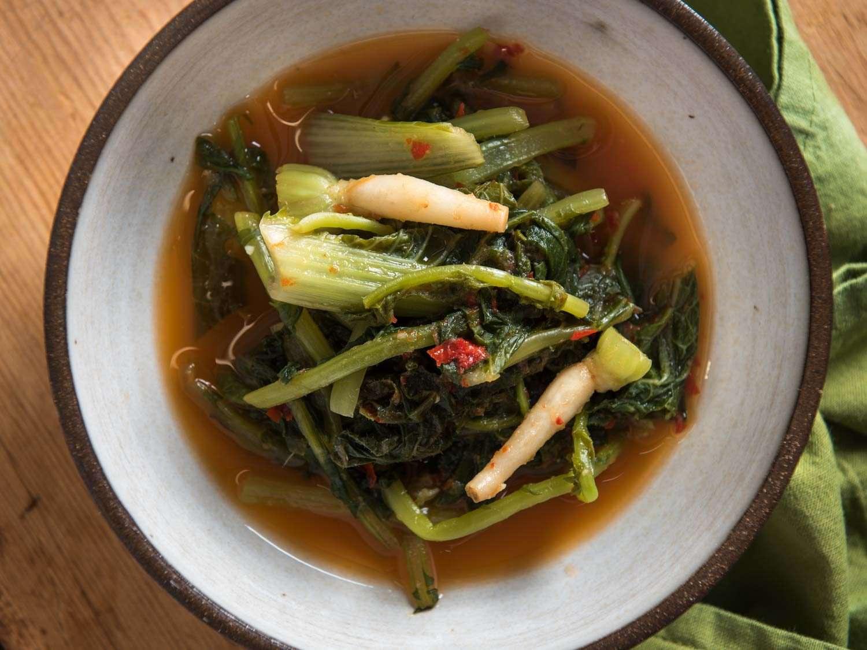 Young radish greens kimchi