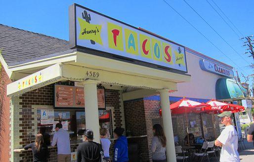 041613-248732-Henrys-Tacos-Exterior-Signage.jpg