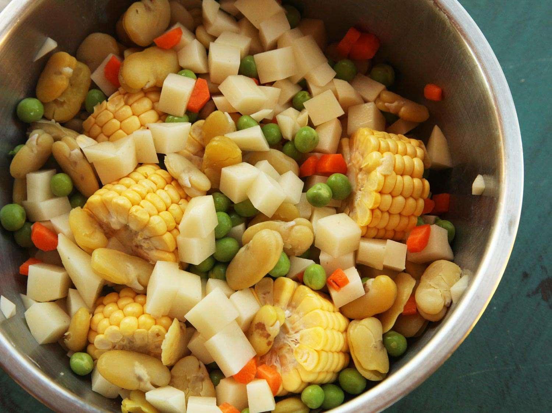 20150215-ajiaco-negro-vegan-colombian-soup-recipe-2.jpg
