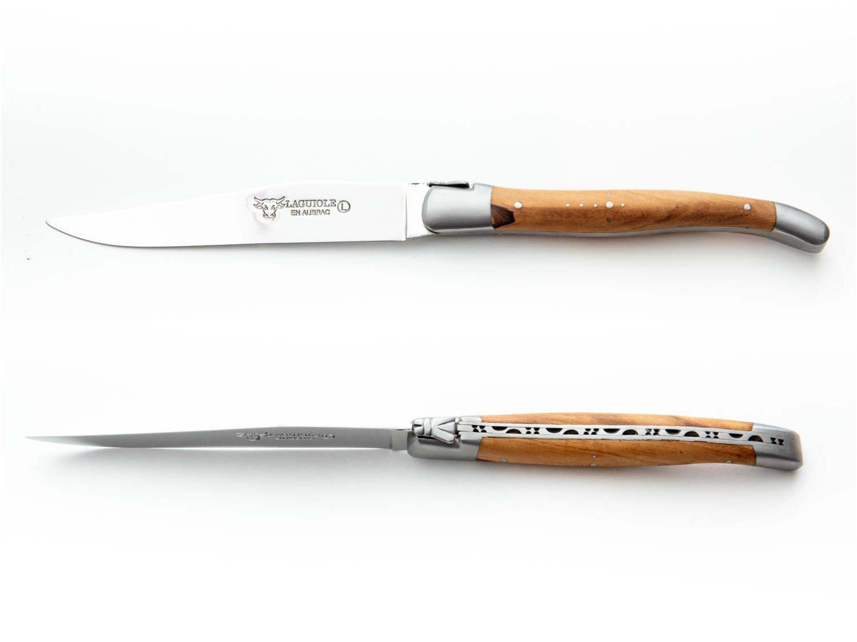 Side and overhead view of the Laguiole en Aubrac steak knife