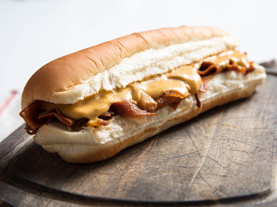 20180318-vegan-cheesesteak-vicky-wasik-18
