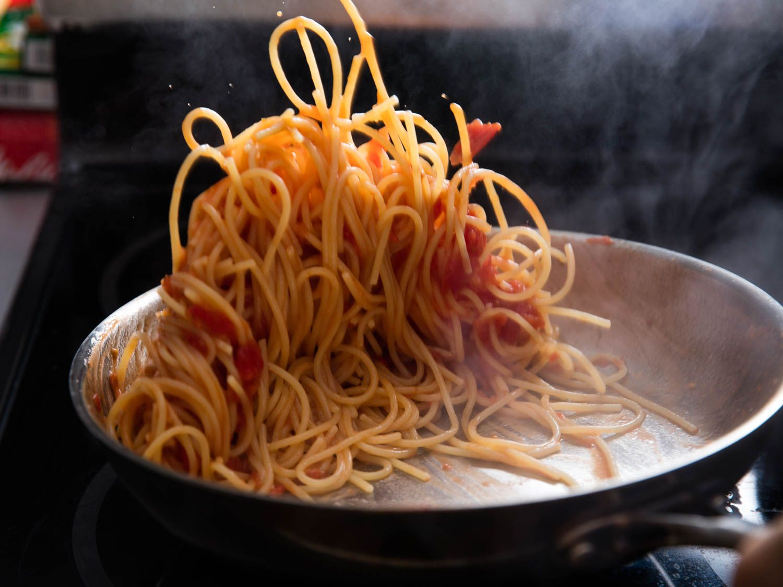 20160218-finishin-pasta-sauce-8.jpg