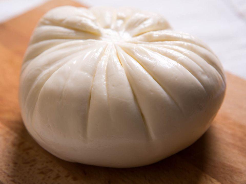 20140819-cheese101-imported-mozzarella-2.jpg
