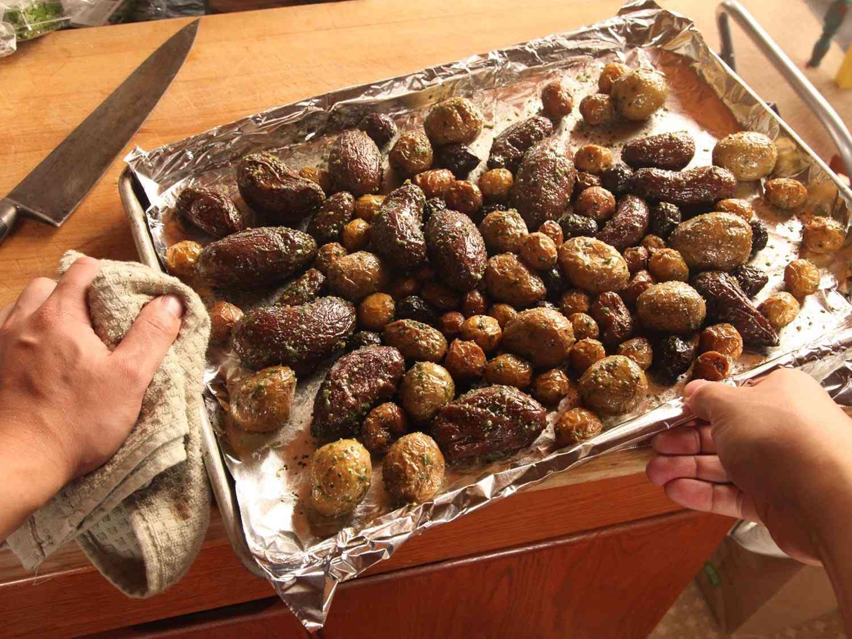 20141116-salt-roasted-potatoes-recipe-18.jpg