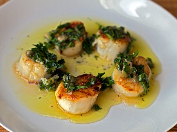 20120306-dt-seared-scallops-with-salsa-verde.jpg