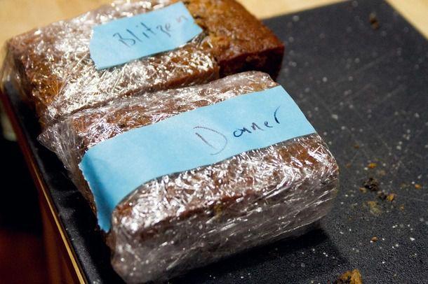 20131217-fruit-cake-tasting-loaves.jpg