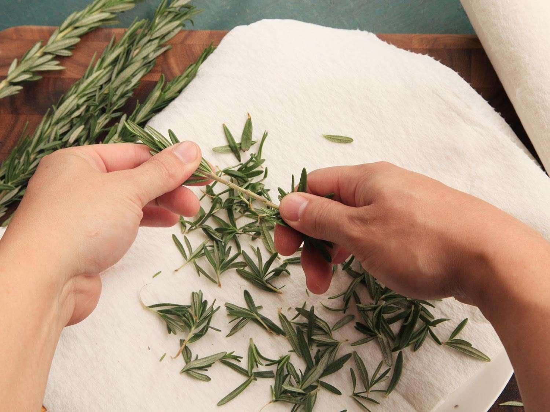 20150317-drying-herbs-storage-1.jpg