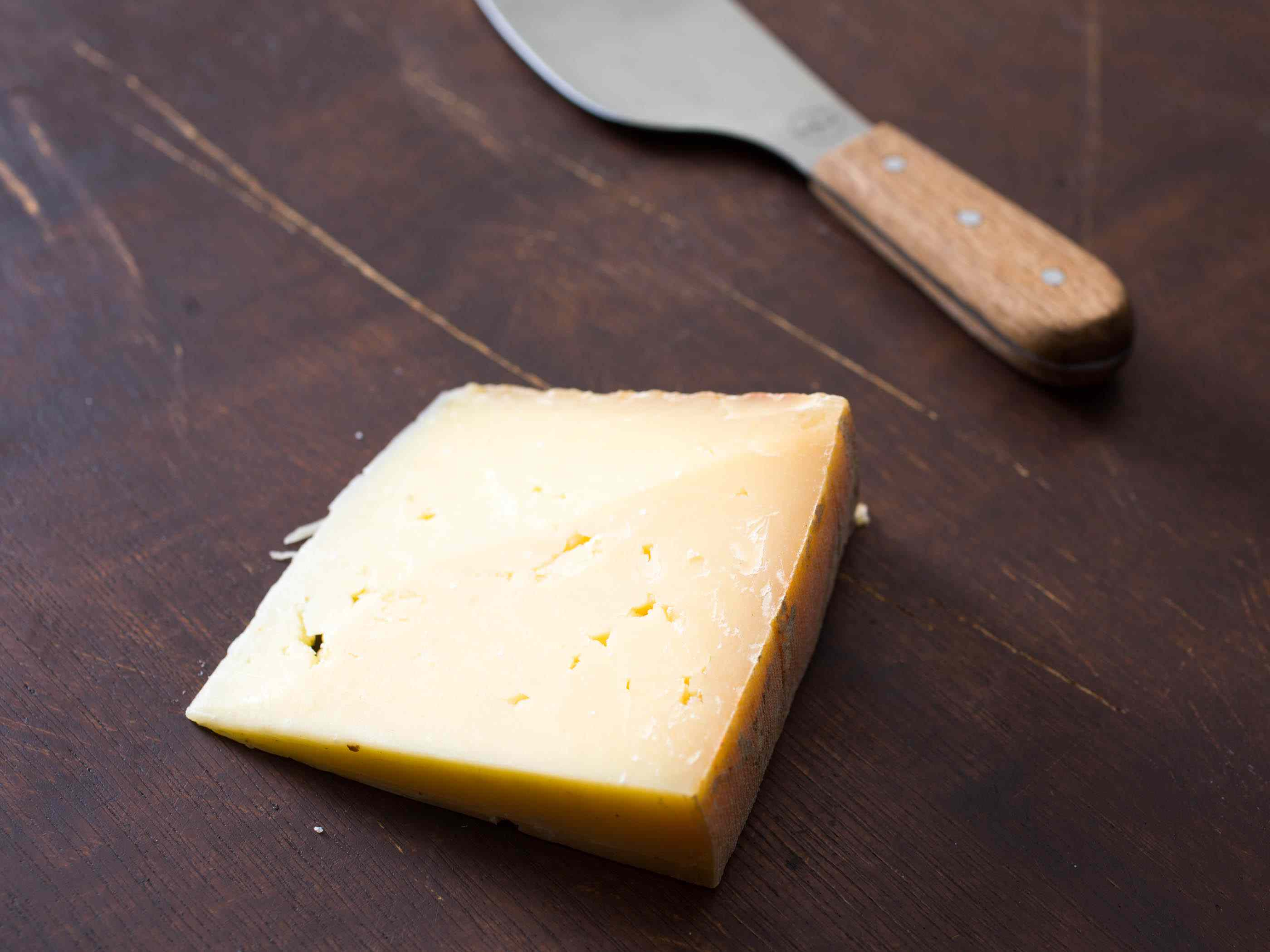 20141121-midwestern-cheese-milton-creamery-florys-truckle-vicky-wasik-1.jpg