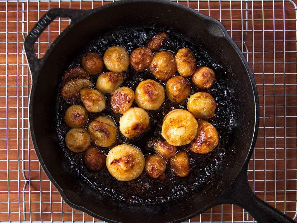 20170908-roasted-vegetables-vicky-wasik-onions2.jpg