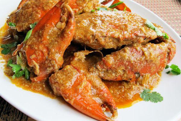A platter of Singaporean Chili Crab.
