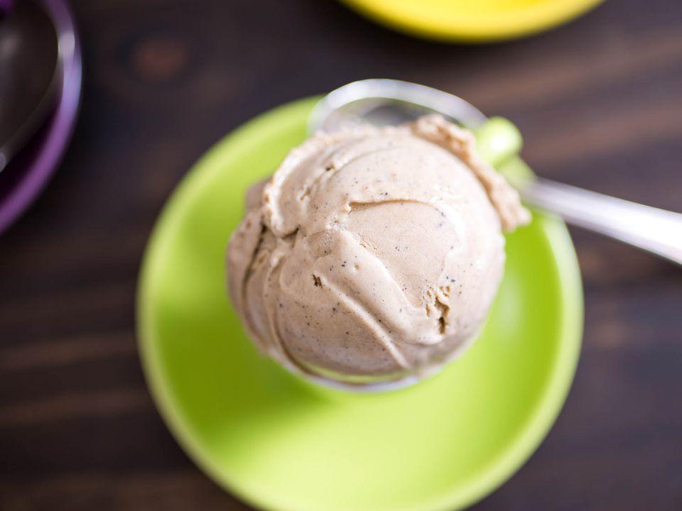 20150609-coffee-ice-cream-vicky-wasik-1.jpg