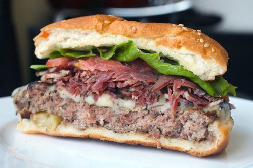 20100806-pastrami-burger-1.jpg