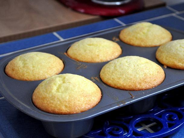 20120514-wake-and-bake-lemon-olive-oil-muffins.JPG