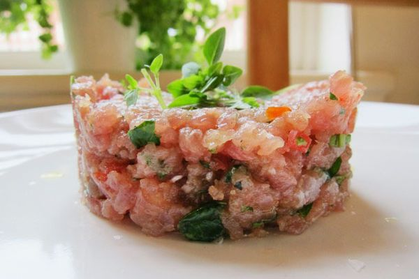 20120710-fiaf-tuna-tartare-primary.jpg