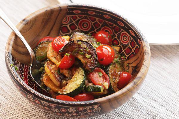 20140920-zucchini-summer-squash-tomato-saute-easy-8.jpg