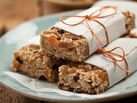 20120107-bakethebook-ediblediy-granolabars.jpg