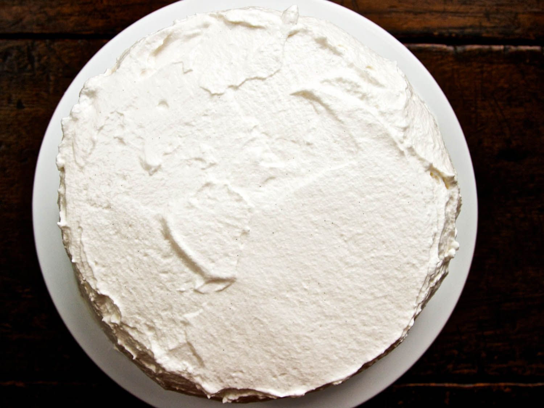 20140716-smores-BourbonMarshmallowCoatedCake-ideas-in-food.jpg