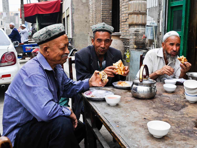 20140629-Kashgar-Samsa2-FionaReilly.jpg
