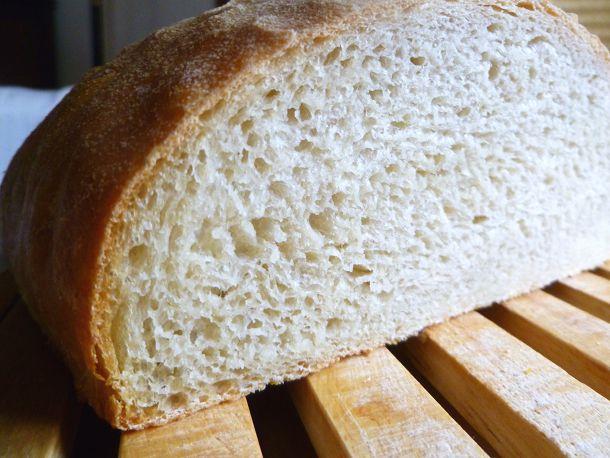 2011-bread-baking-70-percent-hydration-bread sliced.JPG