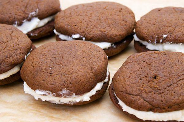 20111213-cookie-swap-15-whoopie-pies.jpg