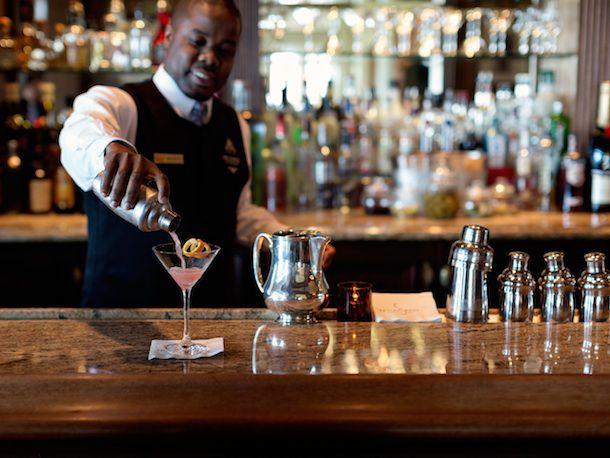 20140421-bartender-maurice-taylor.jpg