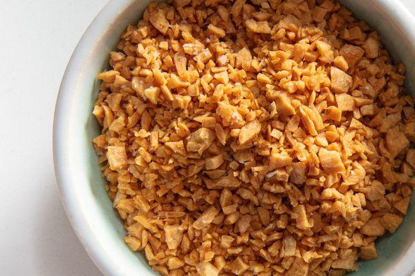 20201027-fried-garlic-microwave-vicky-wasik-14