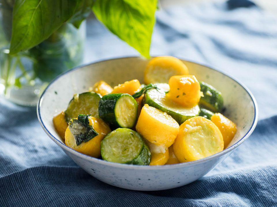 20170814-stewed-zucchini-vicky-wasik-2.jpg