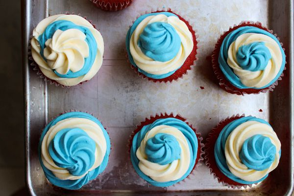20150629-Frosted-July-Fourth-Ice-Cream-Cupcakes-Yvonne-Ruperti.jpg