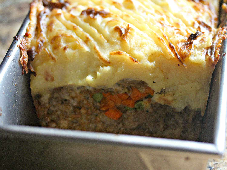 20140915-Serious-Eats-Shepherds-Pie-Meatloaf-Stilton-Sauce-Jennifer-Olvera3.jpg