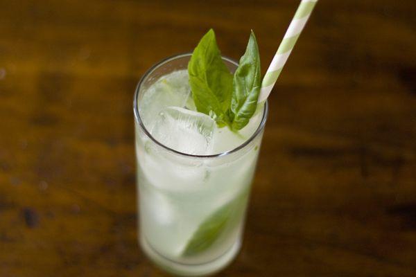 201208-217406-seasonalcocktail-basil-lime-spritz.jpg