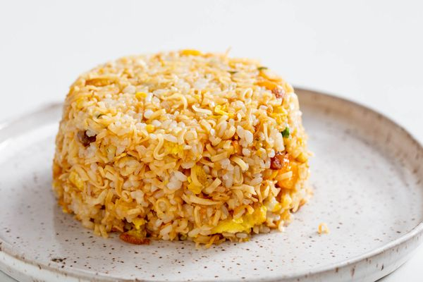20200227-cup-noodle-fried-rice-vicky-wasik-12