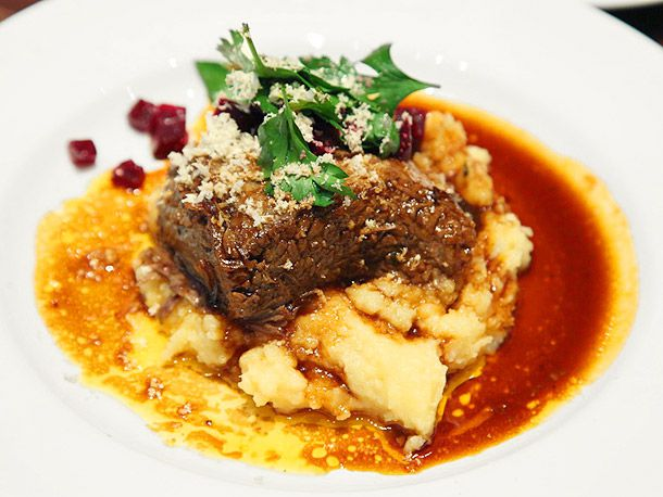 braised short ribs and mashed potatoes