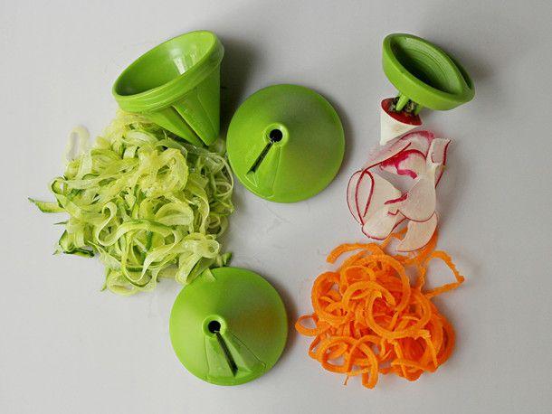 2014-gadgets-mastrad-spiral-veggie-slicer.JPG